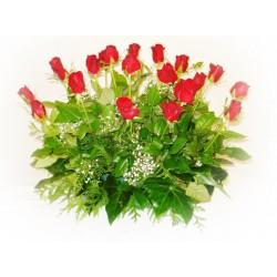 Centro de 24 rosas tallo corto